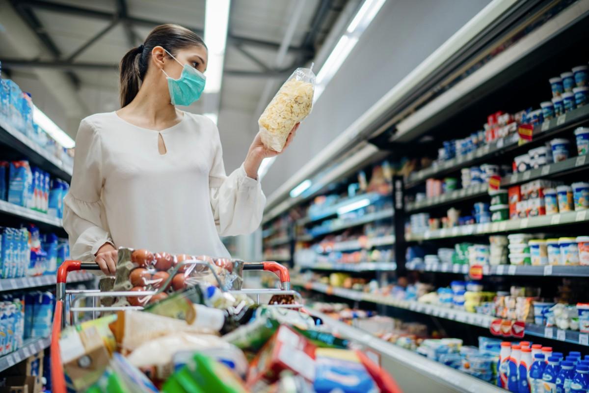 Pandemia trece, comportamentele consumatorilor rămân… schimbate